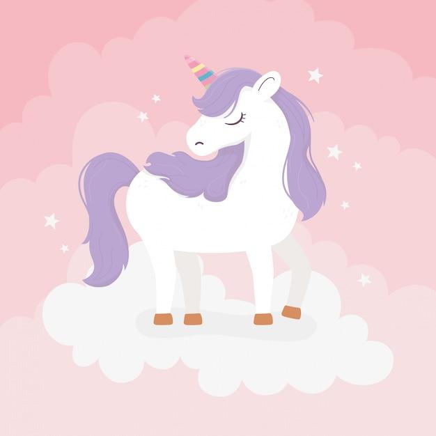Einhorn mit lila haaren auf wolken fantasy magie traum niedlichen cartoon rosa hintergrund illustration Premium Vektoren