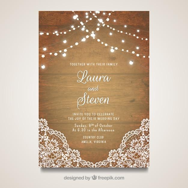 Elegante Hochzeitskarte mit Holzdesign Kostenlose Vektoren