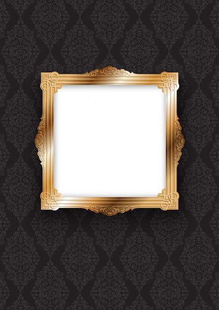Eleganter goldrahmen auf dekorativer tapete Kostenlosen Vektoren