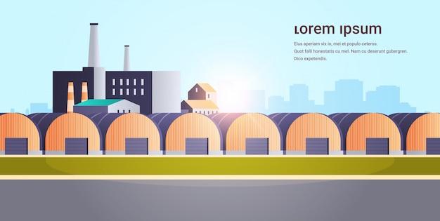 Fabrikgebäude lager hangars industriegebiet anlage mit rohren Premium Vektoren