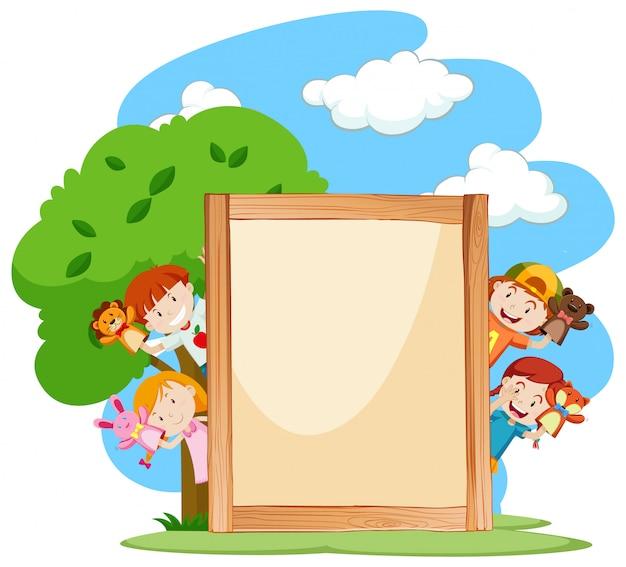 Fahnenschablone mit kindern im park Kostenlosen Vektoren