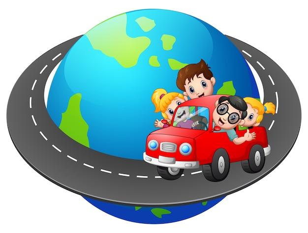 Familie reist mit dem auto um die welt Premium Vektoren