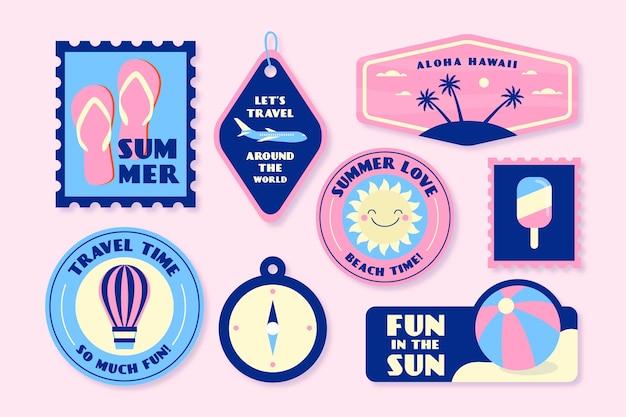Feiertage in der sommeraufkleberansammlung in der art der siebzigerjahre Kostenlosen Vektoren