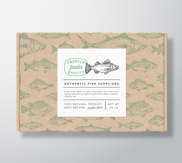 Fischmuster realistische pappschachtel mit banner Kostenlosen Vektoren