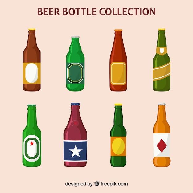 Flache bierflaschensammlung mit aufkleber Kostenlosen Vektoren