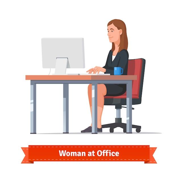 Frau arbeitet auf einem tisch am büro tisch Kostenlosen Vektoren