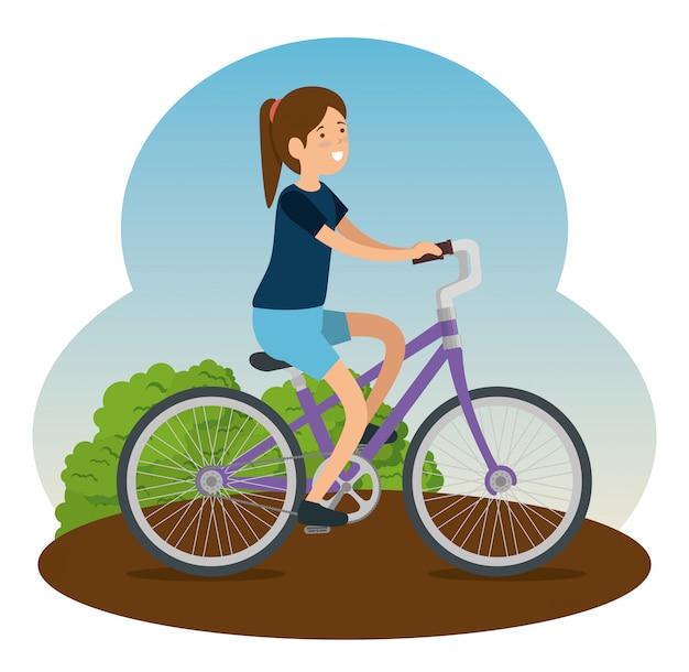 Frau, die fahrrad fährt, um übung zu tun Kostenlosen Vektoren