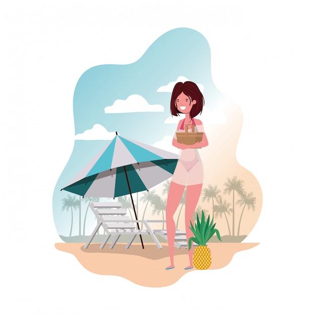 Frau mit badeanzug und strohpicknick Kostenlosen Vektoren