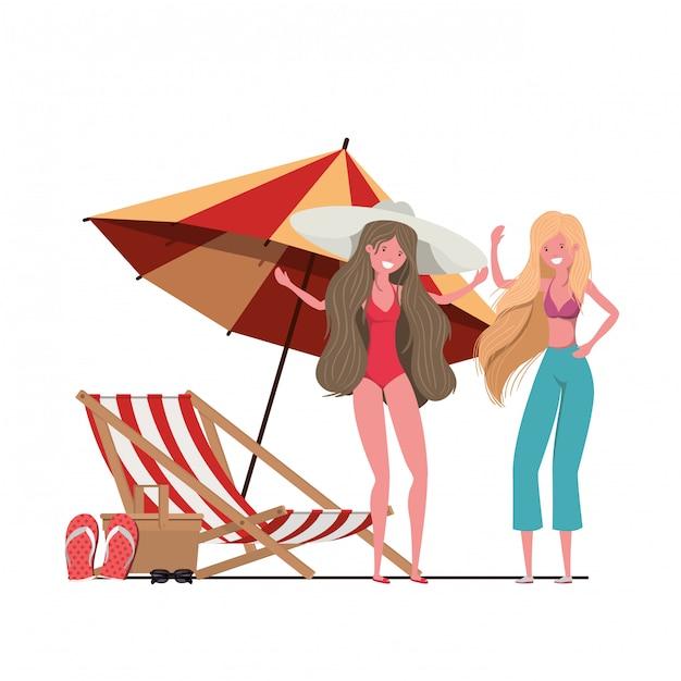 Frauen mit badeanzug am strand und sonnenschirm Kostenlosen Vektoren