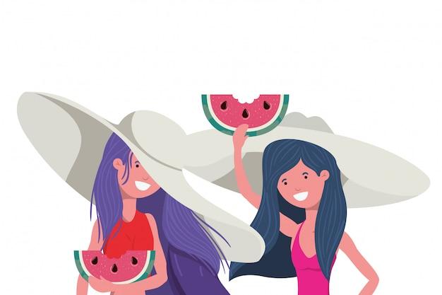 Frauen mit teil der wassermelone in der hand im weiß Kostenlosen Vektoren