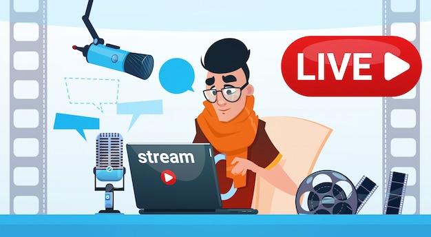 Frauen-video-blogger-online-stream-blogging-abonnement-konzept Premium Vektoren