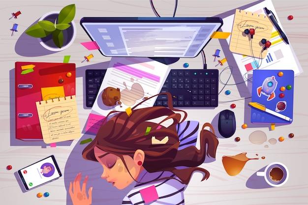 Frauenschlaf auf draufsicht des arbeitsplatzes, müdes mädchen, das auf unordentlichem schreibtisch mit müll liegt Kostenlosen Vektoren