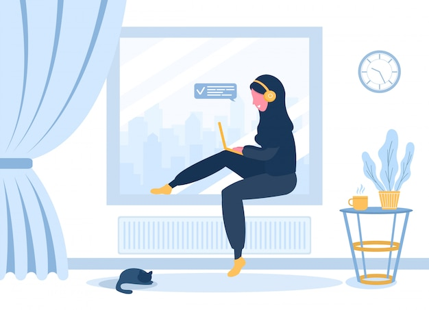 Freiberufliche frauen. arabisches mädchen im hijab und in den kopfhörern mit laptop, der auf der fensterbank sitzt. konzeptillustration für arbeiten, studieren, bildung, arbeiten von zu hause aus. illustration im flachen stil. Premium Vektoren