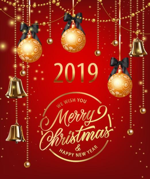 Frohe weihnachten-schriftzug mit kugeln, girlanden und glocken Kostenlosen Vektoren