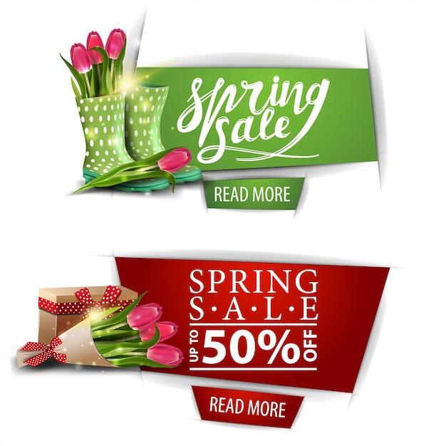 Frühlingsverkaufsfahnen mit knöpfen und blumenstrauß der tulpen Premium Vektoren