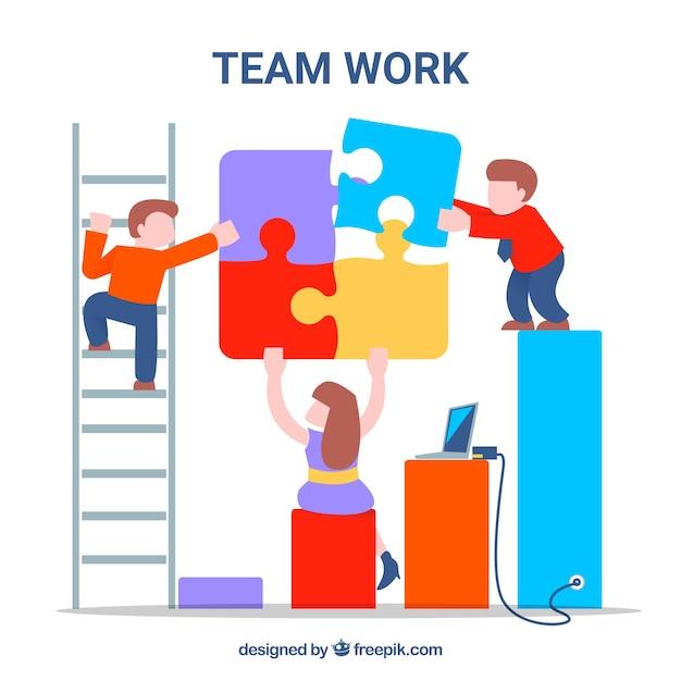 Fun teamwork mit charakteren und puzzleteilen Kostenlosen Vektoren