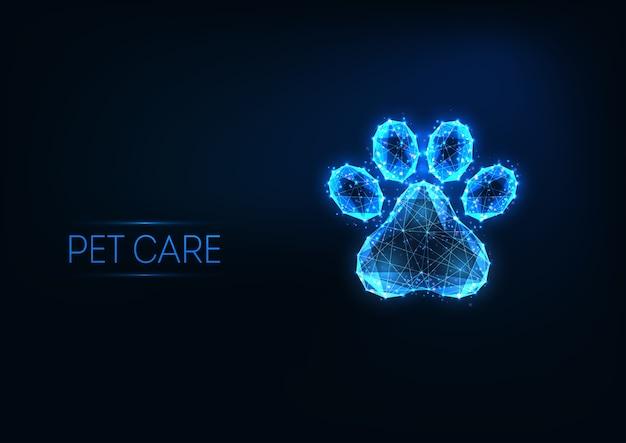 Futuristische haustierpflege, tierklinik, pflegedienstlogokonzept mit glühender niedriger polygonaler tierpfote auf dunkelblauem hintergrund. modernes drahtgitter Premium Vektoren