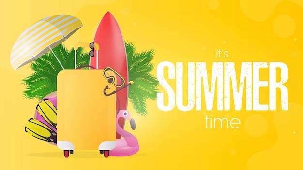 Gelbe fahne der sommerzeit. rotes surfbrett, gelber koffer für den tourismus, flossen, schwimmmaske, schutzbrille, palmen, regenschirm, gummiringe zum schwimmen. Premium Vektoren