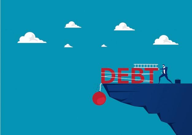 Geschäftsmannversuch, der große schuldenlast auf moutain drückt. Premium Vektoren