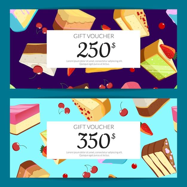 Geschenkkarten, rabatte oder gutscheine mit kuchenstücken, kirschen und erdbeeren auf Premium Vektoren