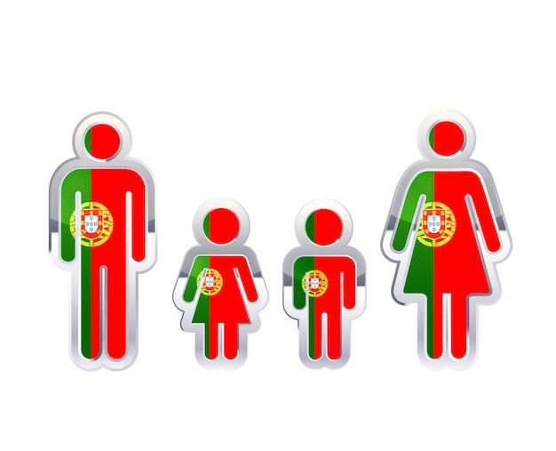 Glänzendes metallabzeichenikone in mann-, frauen- und kinderformen mit portugal-flagge, infografikelement auf weiß Premium Vektoren