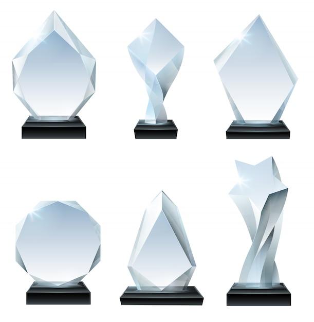 Glaspokalpreis. acrylpreise, kristallförmige trophäen und transparentes realistisches set mit glasigem brett Premium Vektoren