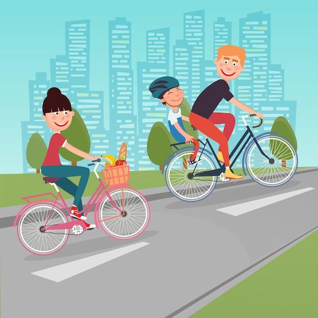 Glückliche familie, die fahrräder in der stadt reitet. frau auf dem fahrrad. vater und sohn. Premium Vektoren