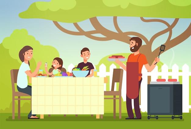 Glückliche familie, die grilloutdoory isst Premium Vektoren
