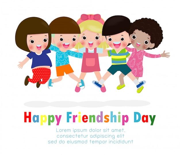 Glückliche freundschaftstagesgrußkarte mit der verschiedenen freundgruppe kindern, die zusammen für feier des besonderen anlasses springen und umarmen Premium Vektoren