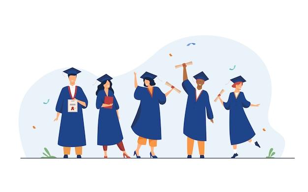 Glückliche verschiedene schüler, die abschluss von der schule feiern Kostenlosen Vektoren