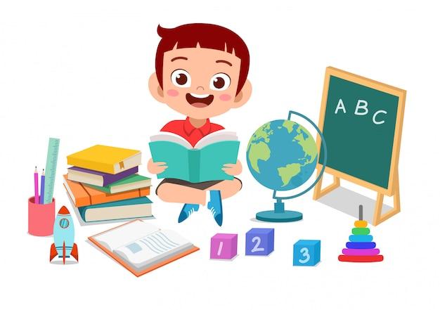 Glückliches kind studieren Premium Vektoren