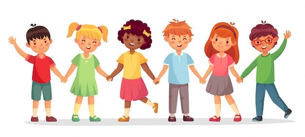 Glückliches kinderteam. multinationale kinder, schulmädchen und jungen stehen zusammen, händchenhalten lokalisierte illustration Premium Vektoren
