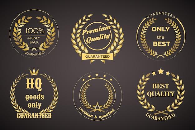 Gold retro garantie etiketten mit kränzen auf schwarz isoliert Kostenlosen Vektoren