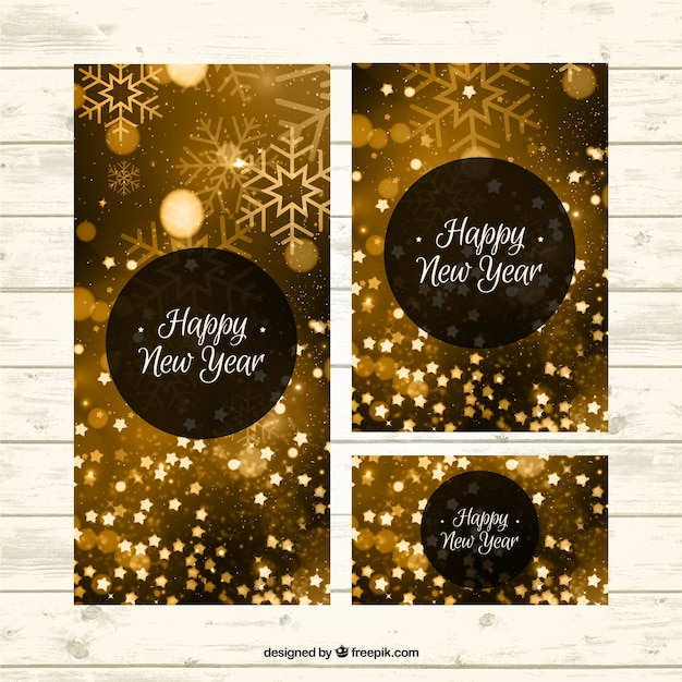 Goldene Gruß des neuen Jahres mit Schneeflocken | Download der ...