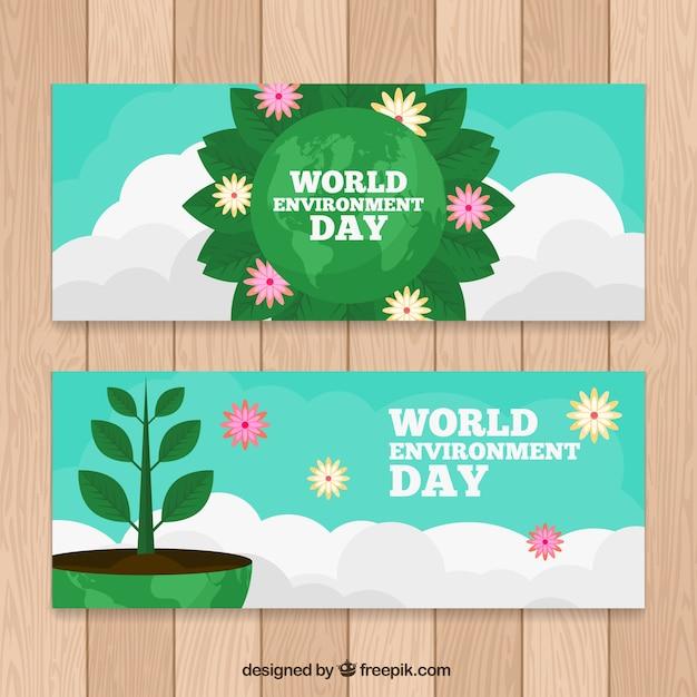 Große banner mit pflanzen und wolken für weltumwelt tag Kostenlosen Vektoren