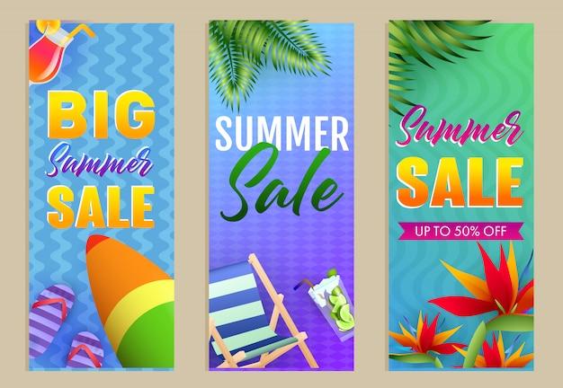 Große summer sale schriftzüge, chaiselongue und surfbrett Kostenlosen Vektoren