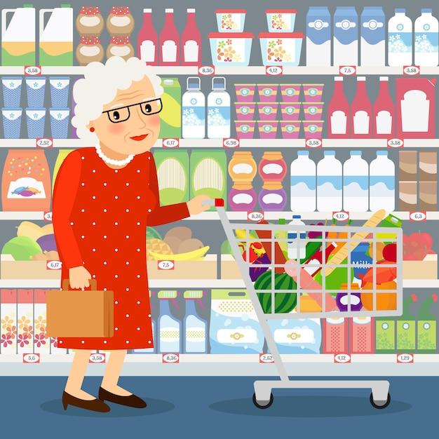 Großmutter einkaufen vektor-illustration. alte dame mit einkaufswagen und den ladenregalen mit milchprodukten, früchten und haushaltschemikalien Premium Vektoren