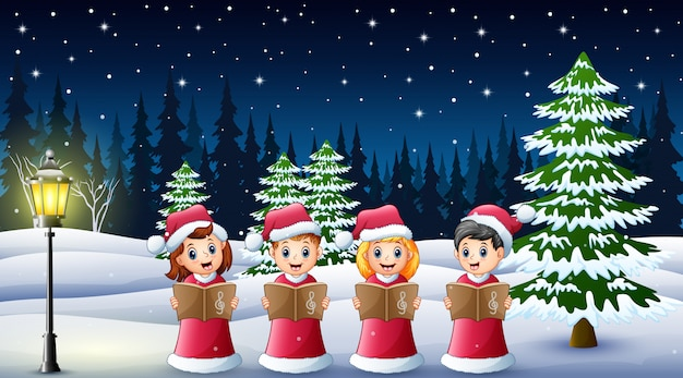 Gruppe kinder in roten sankt-kostüm weihnachtsliedern auf dem winterhintergrund singend Premium Vektoren