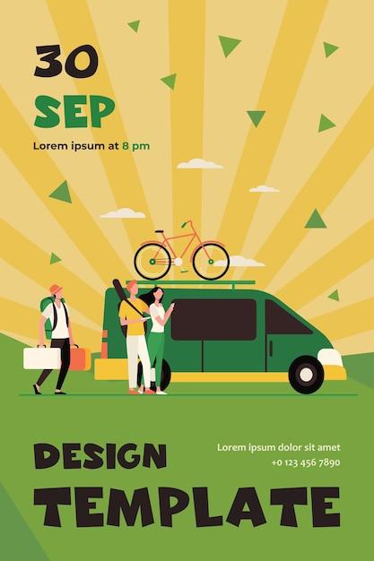Gruppe von aktiven touristen, die am fahrzeug sammeln. minivan mit fahrrad auf beweglicher flacher flyer-schablone Kostenlosen Vektoren