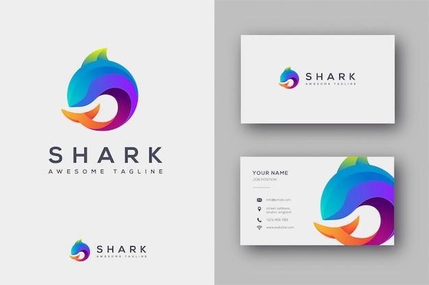 Haifischlogo und visitenkarteschablone Premium Vektoren