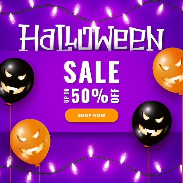Halloween-verkaufsfahne mit großen furchtsamen luftballonen, girlandenlichter auf veilchen Premium Vektoren