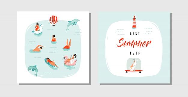 Hand gezeichnete abstrakte karikatur sommerzeit spaß karten sammlung set vorlage mit glücklichen schwimmenden menschen in blauem meerwasser, hund auf skateboard und typografie zitat bester sommer aller zeiten. Premium Vektoren