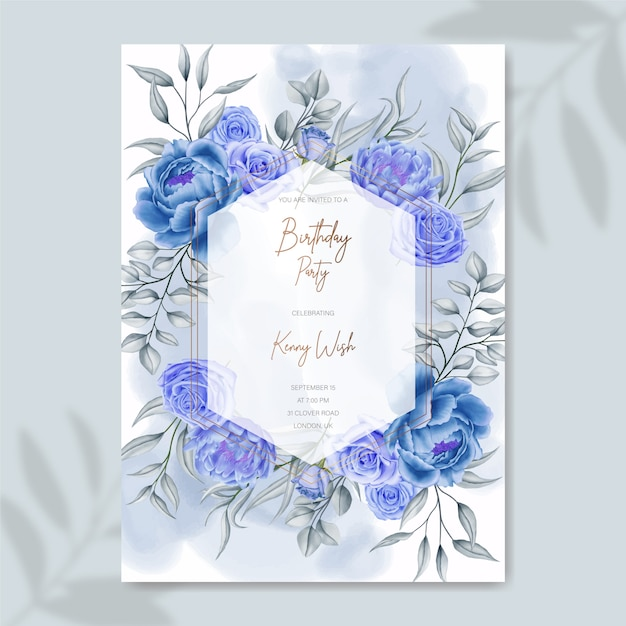 Hand gezeichnete blaue aquarellblumengeburtstagseinladungsschablone Premium Vektoren