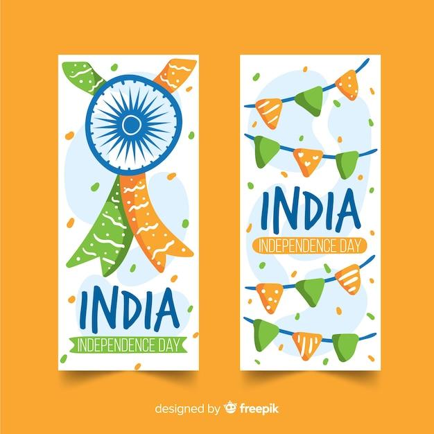 Hand gezeichnete indien-unabhängigkeitstagfahnen Kostenlosen Vektoren