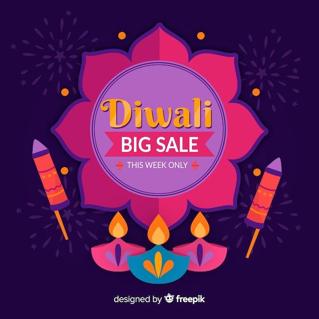 Hand gezeichneter diwali verkauf mit kerzen und feuerwerken Kostenlosen Vektoren