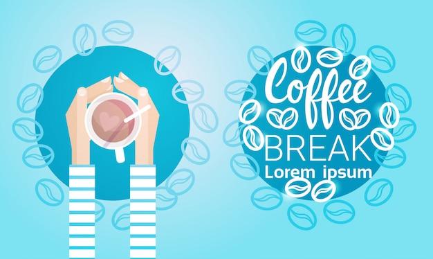 Handgriff-schalen-tee-kaffeepause-morgen-getränkefahne Premium Vektoren