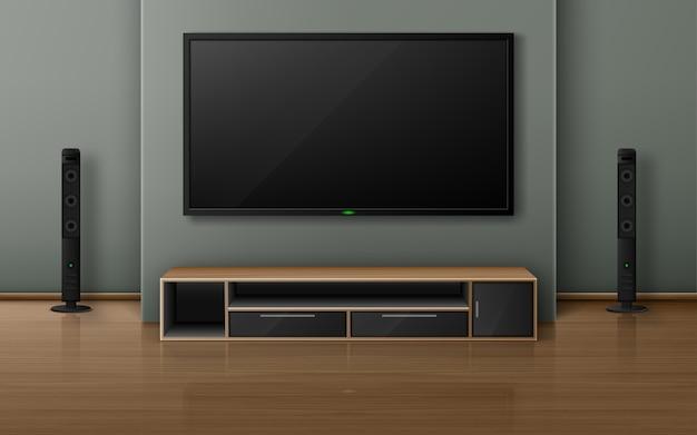 Heimkino mit tv-bildschirm und lautsprechern im modernen wohnzimmer. realistischer innenraum mit plasmafernseher an der wand, stereoanlage und ständer auf holzboden Kostenlosen Vektoren