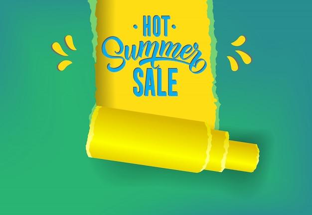 Heiße Sommerverkaufsförderungsfahne in den gelben, blauen und grünen Farben. Kostenlose Vektoren