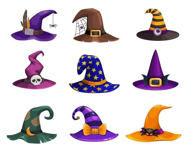 Hexenhüte, kopfbedeckungen von cartoon-zauberern, traditionelle zaubererkappen, verziert mit spinnennetz, fußstapfen, streifen oder sterne für zauberin oder astrologin. halloween party kostüm hüte isoliert set Premium Vektoren