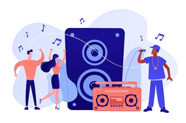 Hip-hop-sänger mit mikrofon am musiklautsprecher und kleinen leuten, die beim konzert tanzen. hip-hop-musik, hip-hop-party, rap-musikklassen-konzept. isolierte illustration des rosa korallenblauvektors Kostenlosen Vektoren
